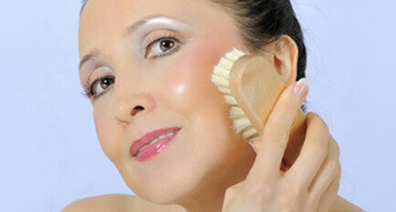 Dry Brushing: Make Your Skin Glow